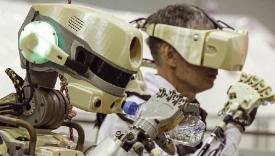 [과학뉴스] 로봇 우주비행사 임무 준비 완료!