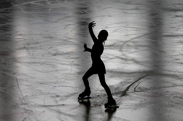 얼음에서 잘 미끄러지는 진짜 이유? 피겨스케이팅 속 물리학